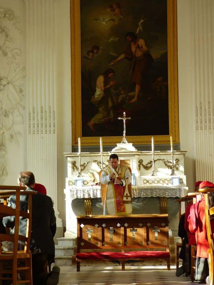 Messe dans la chapelle du Palais